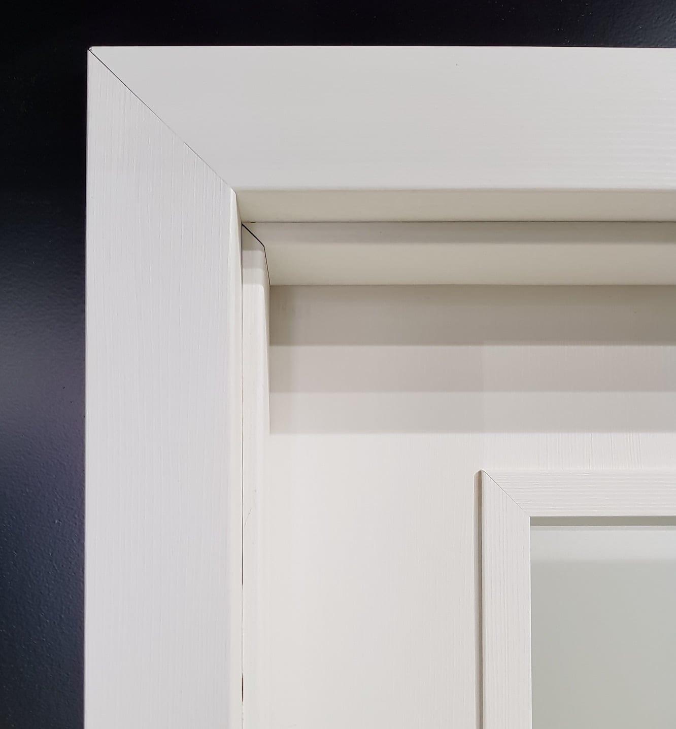 Интериорна врата B line декоративна каса
